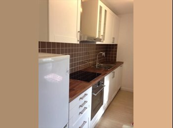 EasyRoommate UK - Lovely Double Room, Elephant and Castle - £680 pcm