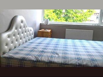 EasyRoommate UK - Double Room For One In Chorlton Centre, Chorlton-cum-Hardy - £400 pcm