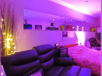 EasyRoommate UK - Amazing room, Warriston - £900 pcm