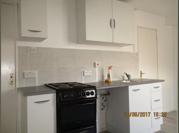 EasyRoommate UK - Self contained Spacious Studio in Tufnell Park, Tufnell Park - £932 pcm