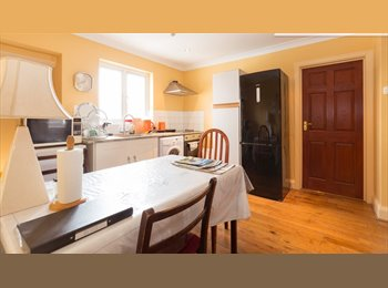 EasyRoommate UK - Furnished Double / Single room to rent in New Malden near Kingston, New Malden - £600 pcm