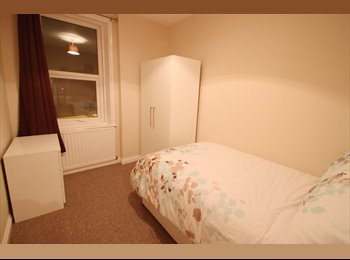 EasyRoommate UK - Two Double Rooms in ProShare Plus Flat - Heaton Property, Heaton - £355 pcm