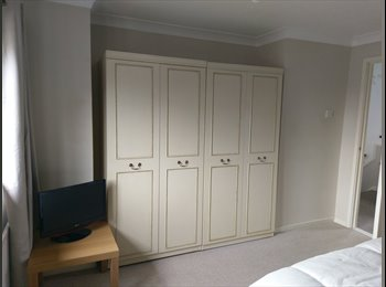 EasyRoommate UK - Quiet area, convenient, newly refurbed, memory foam beds, Scunthorpe - £400 pcm