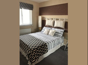 EasyRoommate UK - Bedroom Room for Rent in TownHouse, Aberdeen - £500 pcm