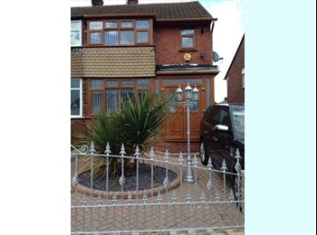 EasyRoommate UK - ROOM FOR RENT - MOSTON, Moston - £400 pcm