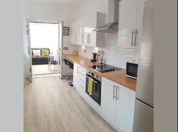 EasyRoommate UK - Brand New ! Amazing Newly Refurbished Houseshare ! , Rise Park - £497 pcm