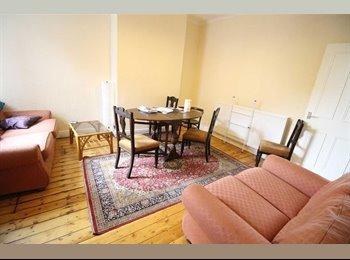 EasyRoommate UK - *** Triple room available NOW *** Only 1 min walk from Willesden Junction Station ***, Harlesden - £779 pcm