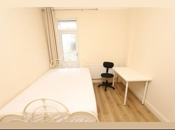 EasyRoommate UK - FULLY FURBISHED BIG BRIGHT Beautiful  Double Room Available in Wood Green-150pw, Wood Green - £650 pcm
