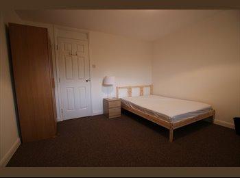 EasyRoommate UK - Two single rooms in great location (34S4&5), Milton Keynes - £535 pcm