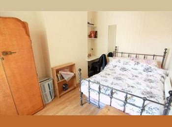 EasyRoommate UK - --DOUBLE ROOM in Langdon park! Available now!!!!!!, Poplar - £584 pcm