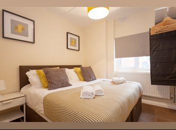 EasyRoommate UK - Boutique 1 Bedroom Apartment in Heart Of Wycombe Town Centre, High Wycombe - £2,100 pcm