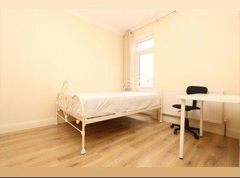 EasyRoommate UK - *INCREDIBLE DOUBLE ROOM IN WOOD GREEN*, Turnpike Lane - £624 pcm