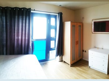 EasyRoommate UK - NO Deposit - Available Room in Bromley , Widmore - £600 pcm