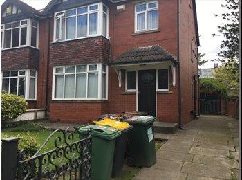 EasyRoommate UK - Replacement Tenant Needed ASAP - 6 Bedroom House Share, Headingley, Headingley - £360 pcm