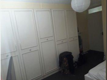 EasyRoommate UK - Huge double room single use, Tufnell Park - £600 pcm