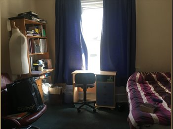 EasyRoommate UK - Room available on Old London Road for 90 pound a week, Kingston upon Thames - £360 pcm