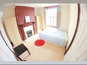 EasyRoommate UK - SM* Book your room at MEGA DISCOUNT!!! First come, first serve!, Poplar - £672 pcm