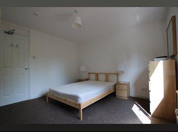 EasyRoommate UK - Single room in great location (34S2), Milton Keynes - £525 pcm