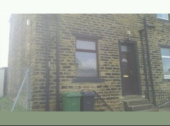 EasyRoommate UK - room to let / rent in pudsey ls28 area, Stanningley - £330 pcm