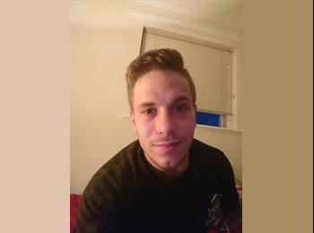 EasyRoommate UK - Jared - 23 - Scunthorpe