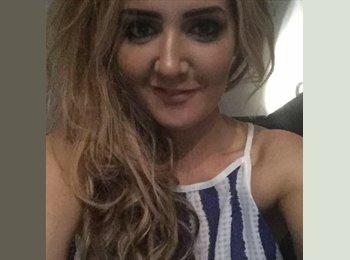 EasyRoommate UK - Carla - 31 - Inverness
