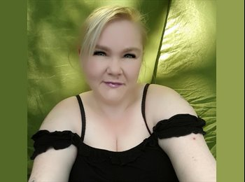 EasyRoommate UK - Rebecca - 36 - Chesterfield