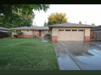 EasyRoommate US - looking For 1 renter on barstow by fresno state, perfer female, Woodward Park - $575 pm