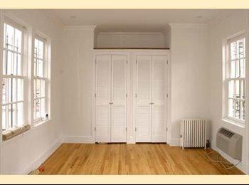 EasyRoommate US - Three Floor Penthouse , Upper East Side - $2,400 pm