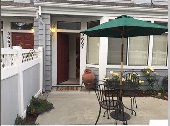 EasyRoommate US - Beautiful master bedroom suite in West San Jose townhouse , West Valley - $1,700 pm