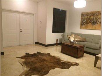 EasyRoommate US - lindo cuarto en Casa Nueva , Fontainebleau - $850 pm