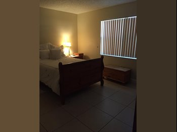 EasyRoommate US - 1 furnished bedroom/private bath, walk-in closet for rent, Sweetwater - $725 pm