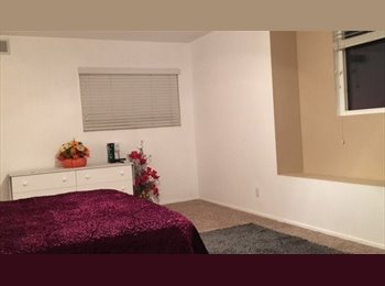 EasyRoommate US - Upstairs room in quiet home, Buena Park - $700 pm