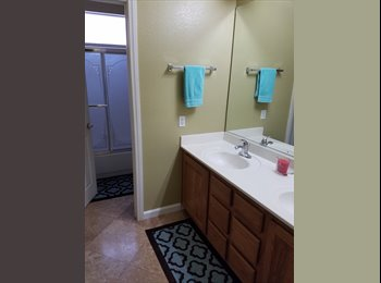 EasyRoommate US - Large bedroom with own bathroom availabe in November, Southfork - $600 pm