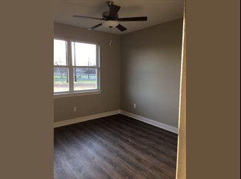 EasyRoommate US - Private Room and Bath in NEW home, Hutto - $600 pm