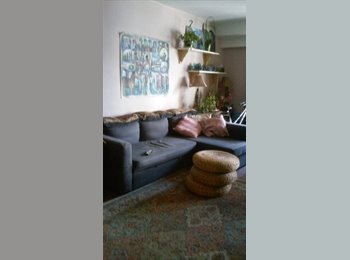 EasyRoommate US - HIGH FLOOR,GREAT VIEWS,DOORMAN BUILDING WITH ALL AMENITIES COOL,CLEAN,COMFORTABLE, Yorkville - $1,400 pm