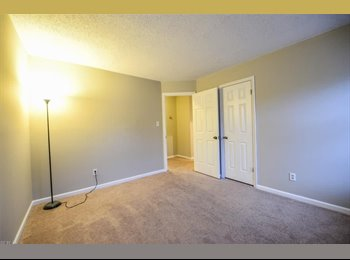 EasyRoommate US - Private room in safe, desirable River Walk community , Chesapeake - $1,000 pm