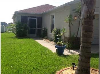 EasyRoommate US - Super clean and quiet bright water view master bedroom, Gibsonton - $650 pm