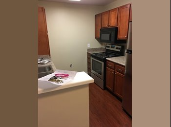 EasyRoommate US - Room with Private Bath & W/D in Unit , Manchester - $895 pm