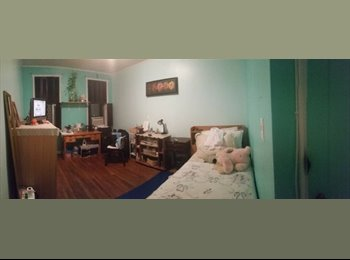EasyRoommate US - $700 Sunny Spacious Room Available, Jackson Heights - $700 pm