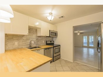 EasyRoommate US - $520 / 2200ft2 - LF Roomate in Saint Petersburg, $520 a month (lease length negotiable), Pinellas Park - $520 pm