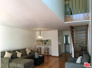 EasyRoommate US - Young Professional Roommate: Gorgeous 2 story Townhome - Great Location: $1,300, Ladera Heights - $1,300 pm