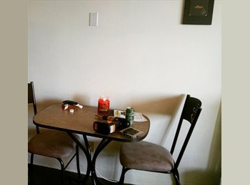 EasyRoommate US - 1 bed/ 1 bath SHARED ROOM, North Mountain Village - $750 pm