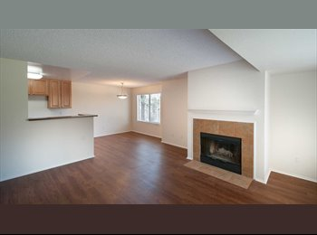 EasyRoommate US - Lovely 2 BR + 2 BA dual master suite apartment home , Sabre Springs - $1,090 pm