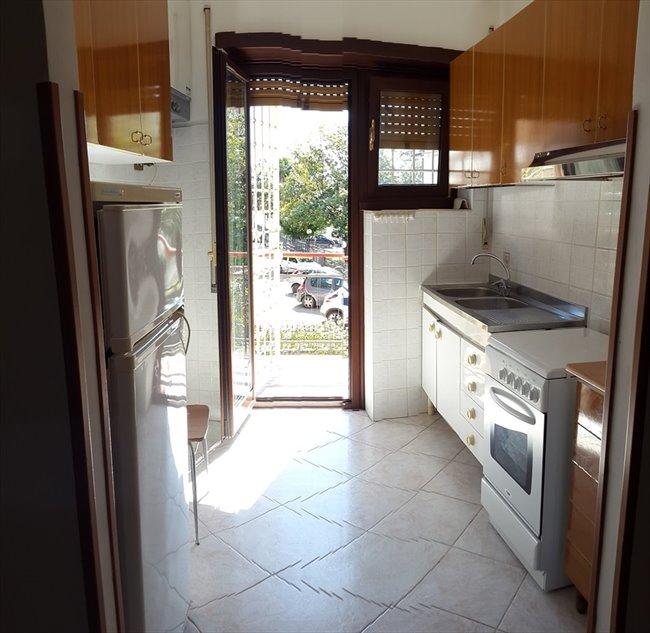 Stanze e Posti Letto in Affitto - Don Bosco-Cinecitta' - AFFITTASI STANZE DOPPIE  | EasyStanza - Image 4