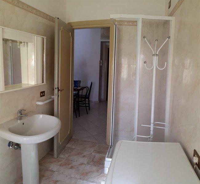 Stanze e Posti Letto in Affitto - Don Bosco-Cinecitta' - AFFITTASI STANZE DOPPIE  | EasyStanza - Image 7