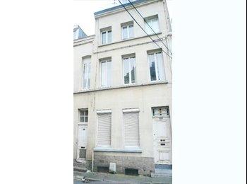 Appartager FR - Studio dans un immeuble spécial étudiant, Valenciennes - 380 € /Mois