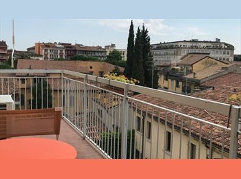 EasyStanza IT - appartamento pieno centro a due passi dall'Arena, Verona - € 500 al mese