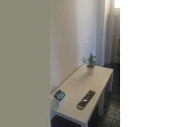 EasyStanza IT - CAMERA LUMINOSA A RAGAZZA SERIA, Rimini - € 300 al mese