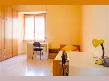 EasyStanza IT - Affittasi stanza doppia, Esquilino S.Lorenzo - € 325 al mese