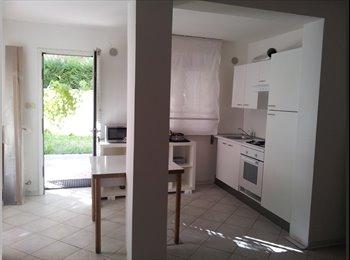 EasyStanza IT - delizioso appartamento per 3(2) vicino alle piazze, Padova - € 200 al mese